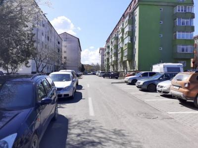 Garsoniera decomandata de vanzare pivnita etaj 3 Broscarie Sibiu