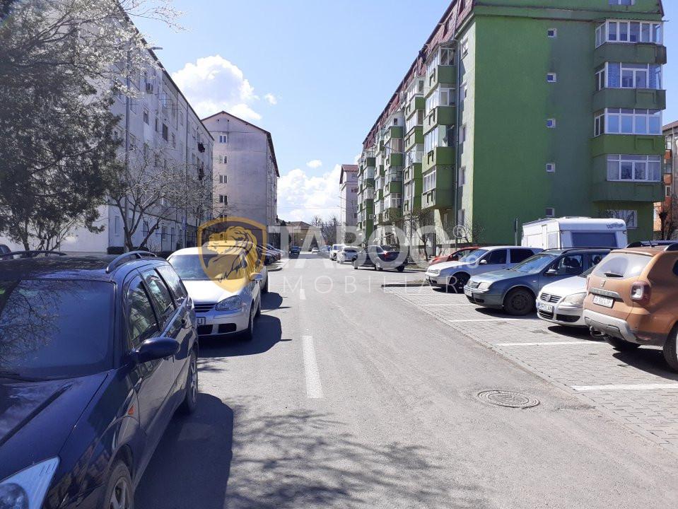 Garsoniera decomandata de vanzare pivnita etaj 3 Broscarie Sibiu 1
