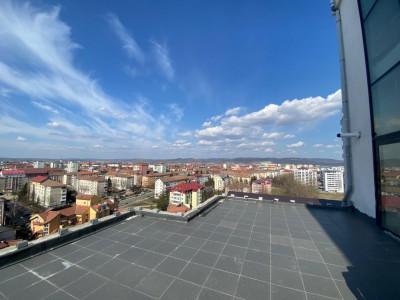 Penthouse pe 2 nivele 6 camere piscina sauna terasa de vanzare Sibiu
