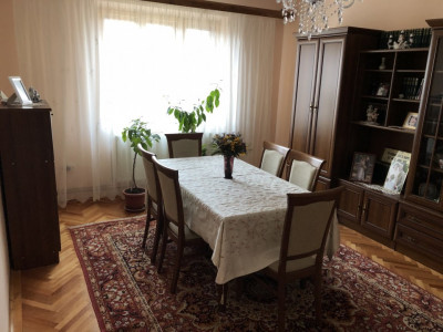 Casa individuala cu 7 camere de vanzare zona Terezian Sibiu