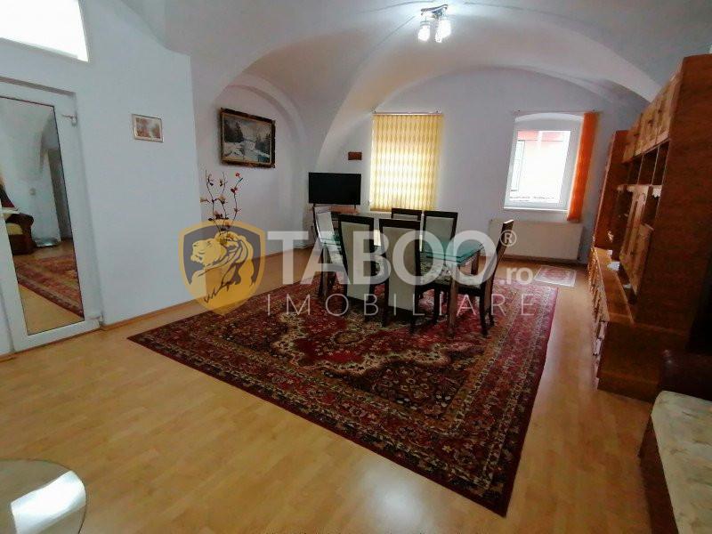 Apartament 2 camere la parter de vanzare zona Piata Mica in Sibiu 1
