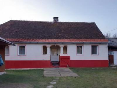 Casa de vanzare in Sibiu sat Sarata cu vedere la muntii Fagaras