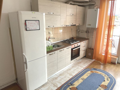 Mansarda decomandat de vanzare 3 camere zona Trei Stejari langa MALL