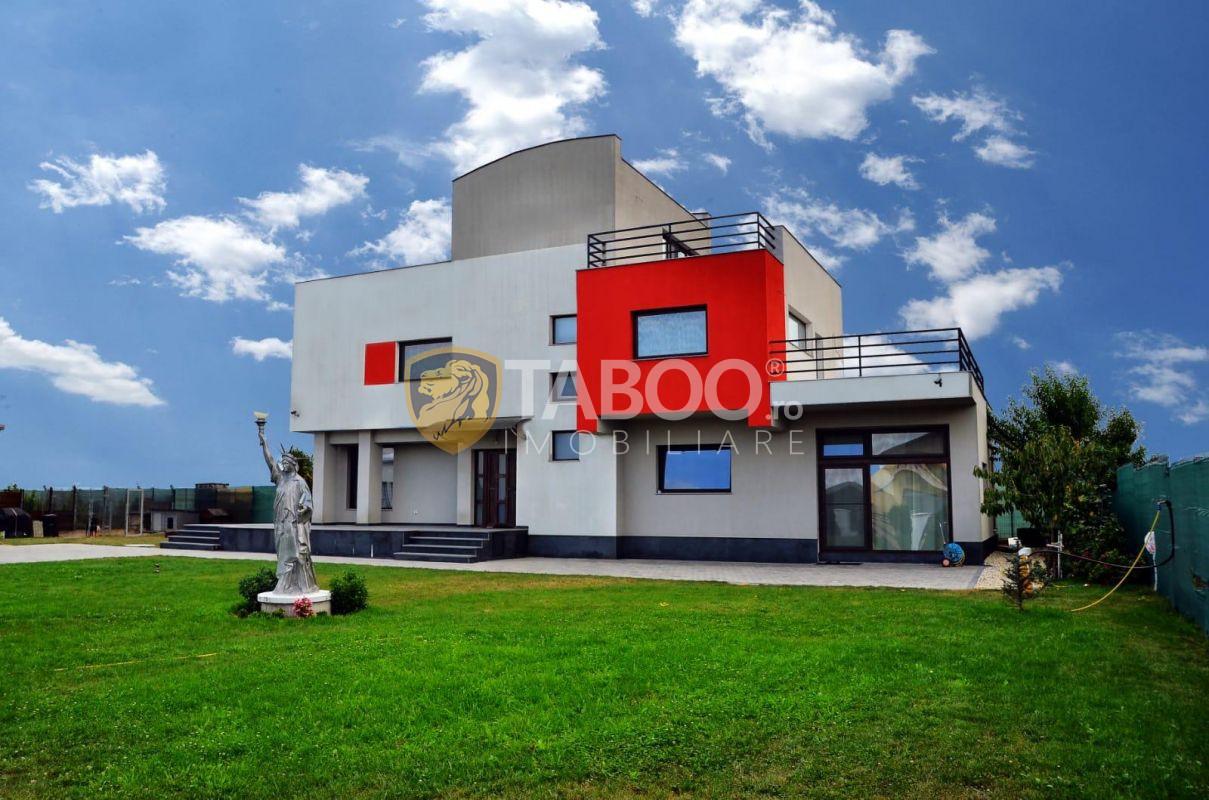 Vila in apropiere de Sibiu cu teren 1570 mp de vanzare si 4 garaje 1