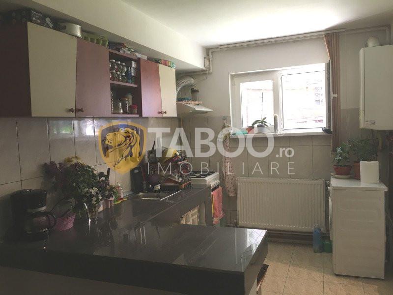 Apartament la casa de vanzare 2 camere Sibiu zona Strand 2