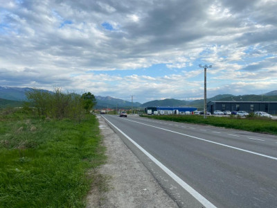 Teren de vanzare 10000 mp 52 m deschidere zona industriala Sibiu
