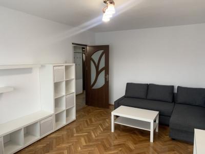 Apartament 3 camere decomandate de inchiriat zona Scoala de Inot Sibiu