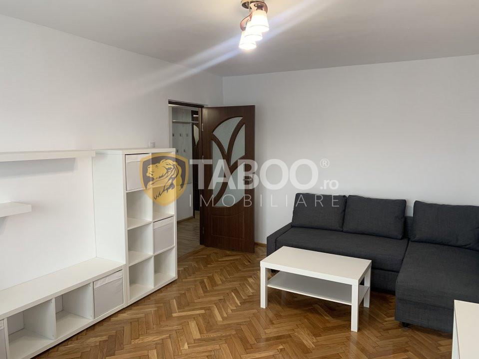 Apartament 3 camere decomandate de inchiriat zona Scoala de Inot Sibiu 1
