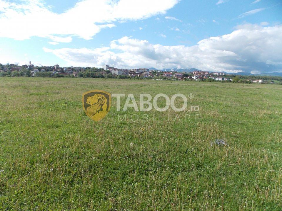 Teren intravilan 2000 mp de vanzare in Sibiu zona Campusor 1