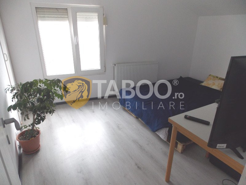 Apartament 3 camere la casa de vanzare in Sibiu Terezian curte 420 mp 1