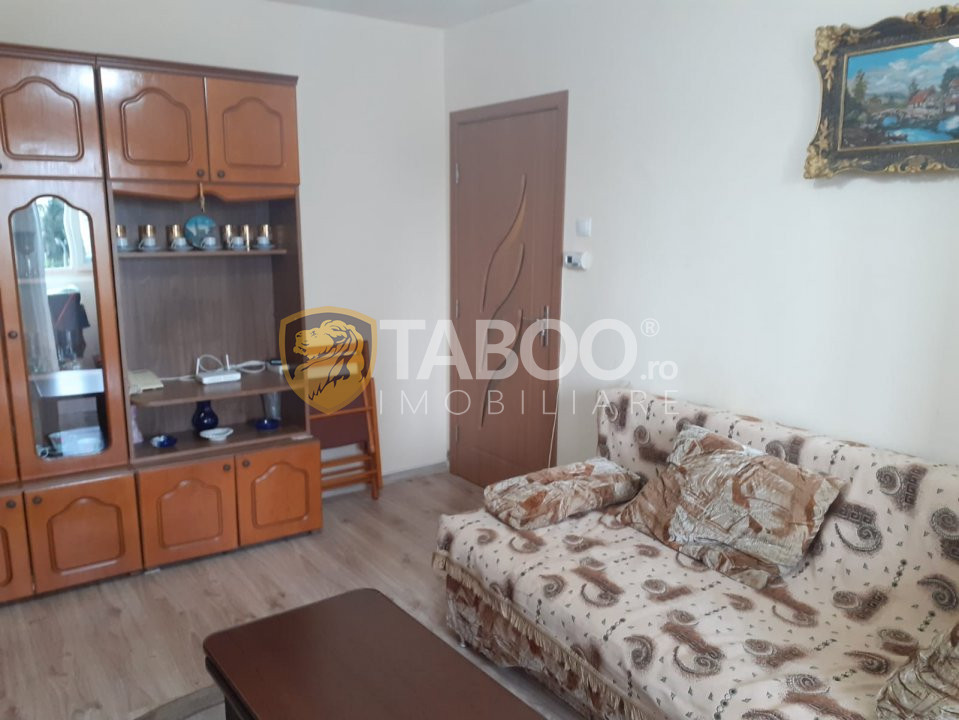 Apartament 3 camere de vanzare zona Tudor Vladimirescu Fagaras 1