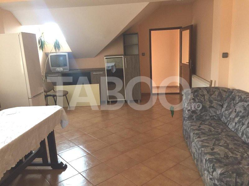 Apartament de vanzare 3 camere 3 bai la casa in Sibiu zona Tilisca 1