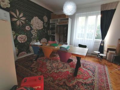 Casa de vanzare 4 camere si curte libera zona Strand Sibiu