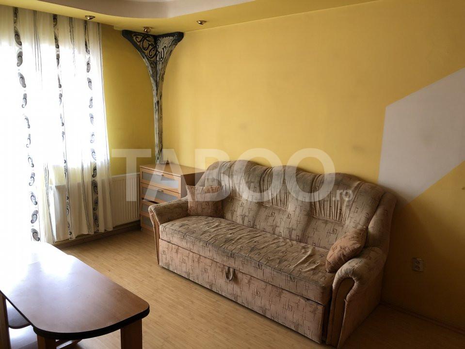 Apartament 3 camere 2 bai de vanzare in Sibiu zona Vasile Aaron 1