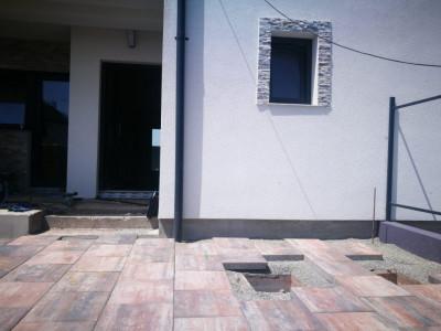 Casa de vanzare 153 mp 4 camere terasa si 126 mp teren liber Selimbar