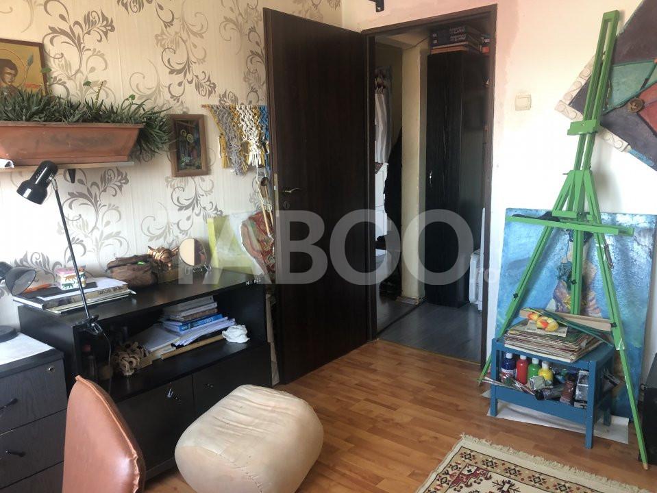 Apartament cu 3 camere decomandate de vanzare Sibiu zona Vasile Aaron 5