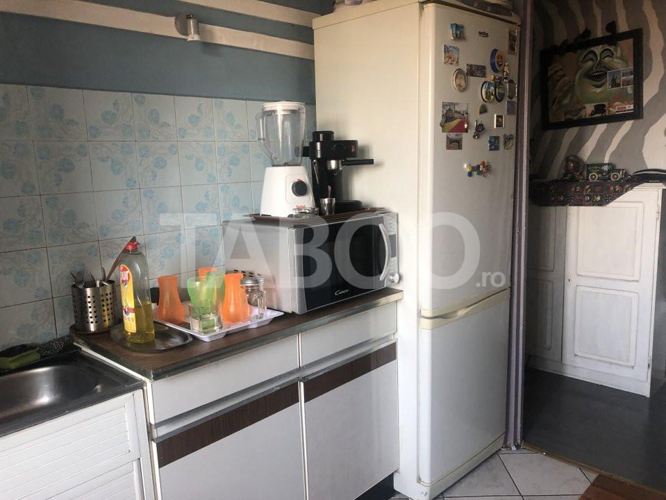 Apartament cu 3 camere decomandate de vanzare Sibiu zona Vasile Aaron 6