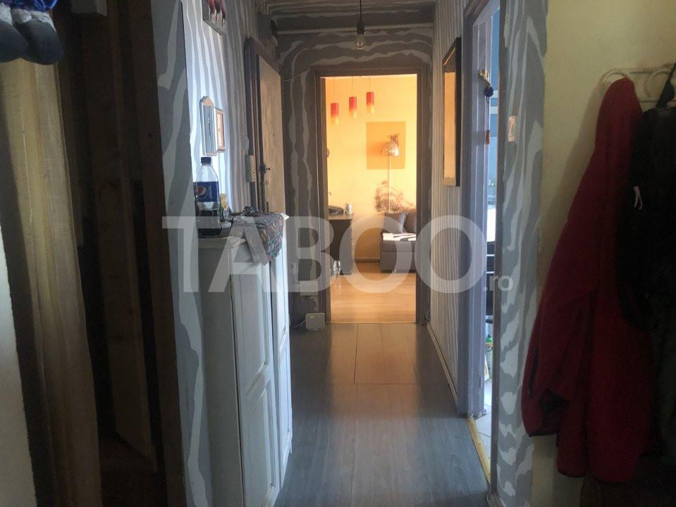 Apartament cu 3 camere decomandate de vanzare Sibiu zona Vasile Aaron 9