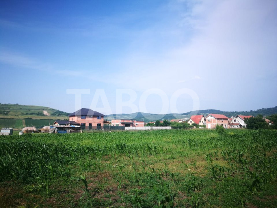 Teren intravilan 421 mp de vanzare Sibiu Gusterita 23 m deschidere 1