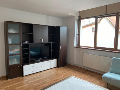 Apartament 3 camere 83 mp de inchiriat cu parcare Orasul de Jos Sibiu