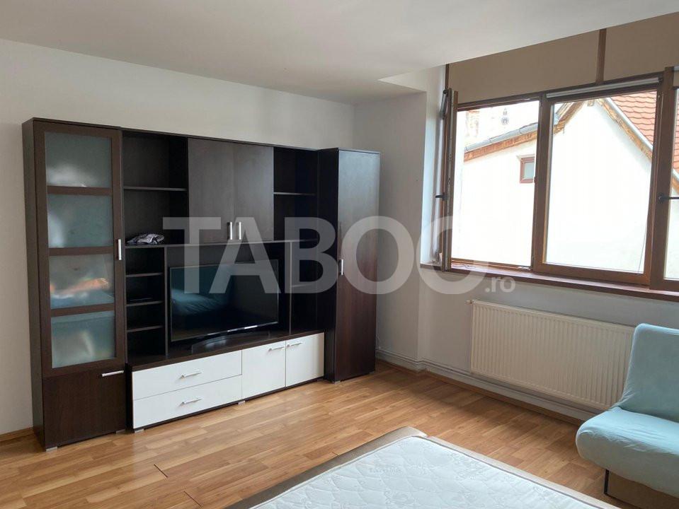 Apartament 3 camere 83 mp de inchiriat cu parcare Orasul de Jos Sibiu 1