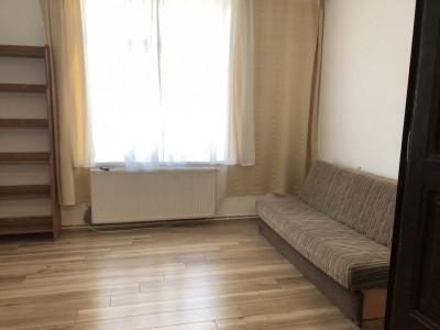 Apartament 2 camere decomandate de inchiriat zona Centrala Sibiu