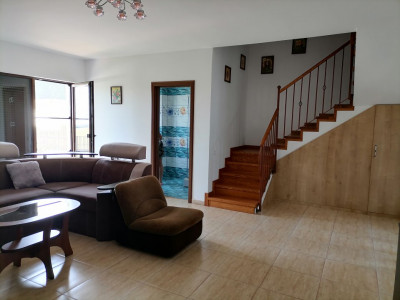 De vanzare casa noua 4 camere tip duplex zona linistita Cisnadie
