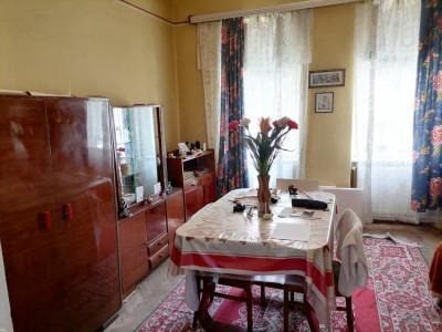 Apartament la casa de vanzare 88 mp curte in Sibiu zona Lazaret