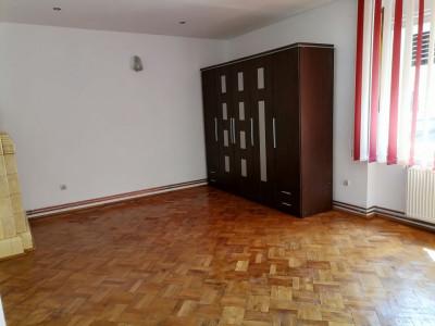 Apartament 3 camere la casa Sibiu zona Centrala trafic pietonal