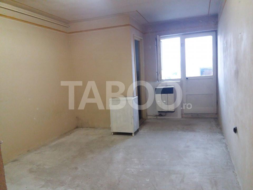 Grasoniera cu balcon si bucatarie proprie in Cisnadie 1