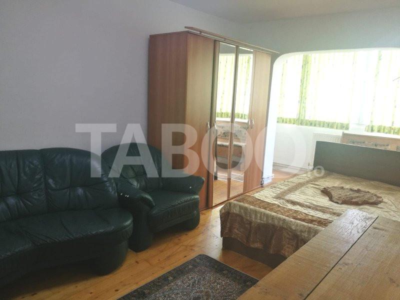 De inchiriat apartament 2 camere zona Vasile Aaron Sibiu 1