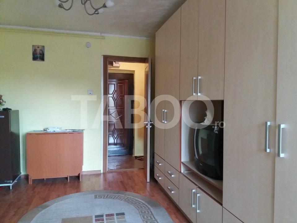 Apartament de vanzare cu 2 camere si balcon in Cisnadie 1
