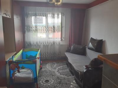 Apartament  2 camere etaj intermediar de vanzare zona Parcului Fagaras