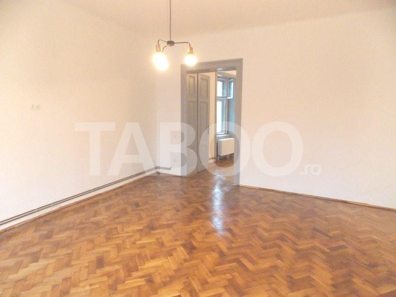 Apartament 2 camere 74 mp utili de inchiriat in Sibiu zona Centrala 1