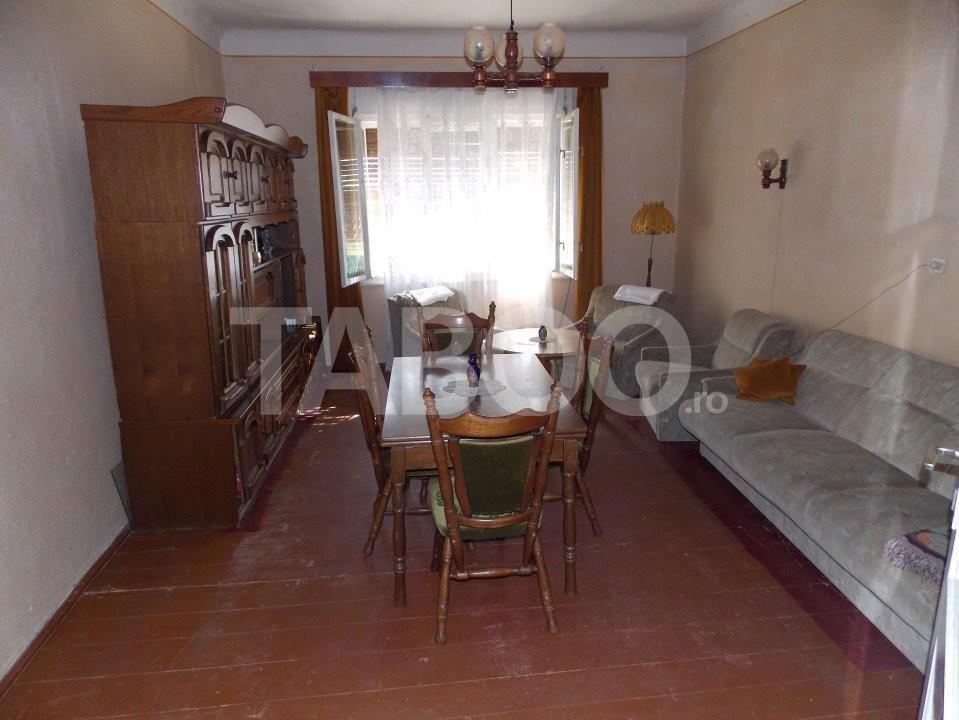 Casa individuala de vanzare 5 camere 430 mp teren Sibiu zona Lazaret 1