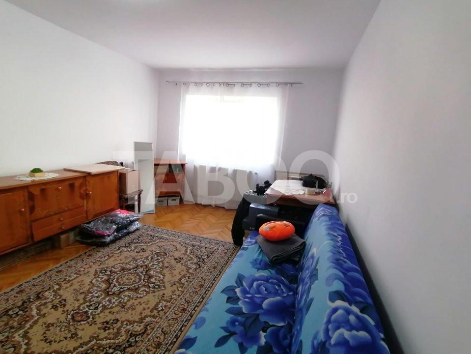 Apartament 2 camere de inchiriat zona Vasile Aaron Sibiu 1