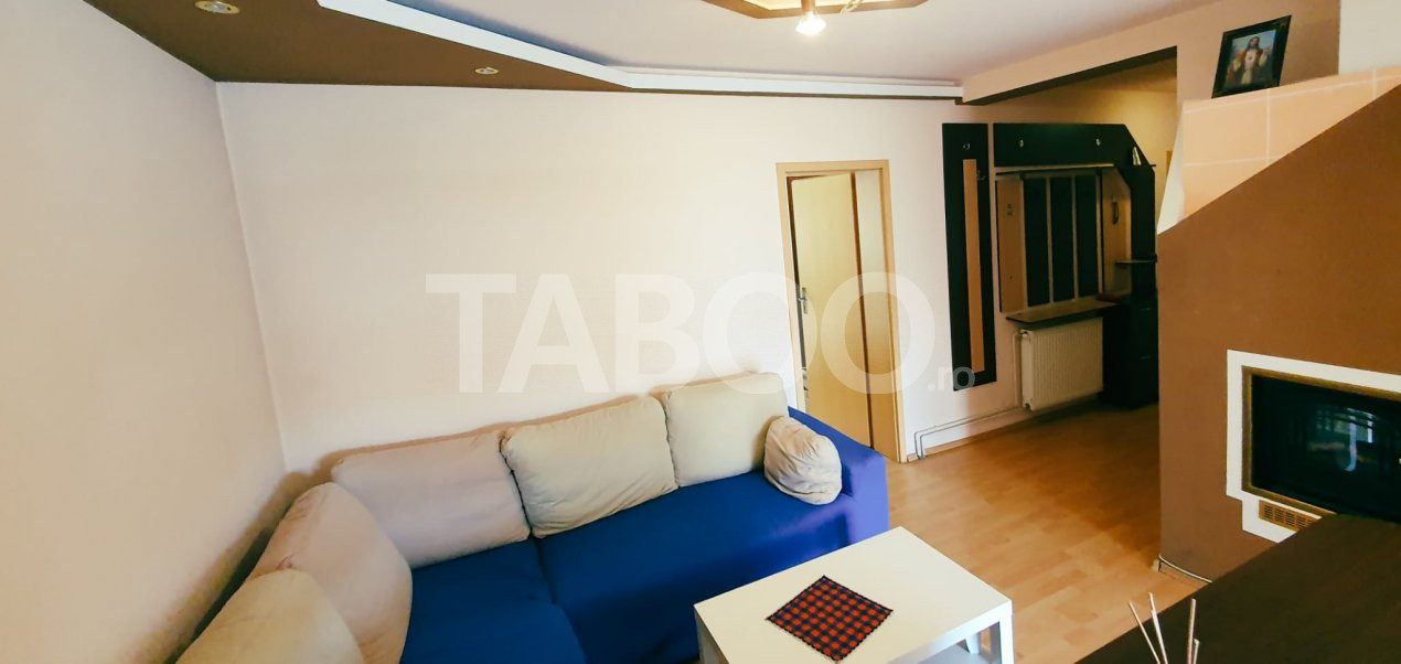 Apartament decomandat 3 camere si balcon de vanzare Sibiu zona Strand 1