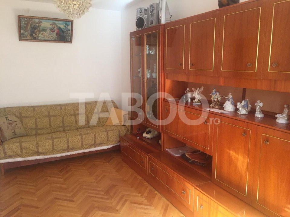 Apartament 3 camere de inchiriat in Sibiu zona Vasile Aaron 1