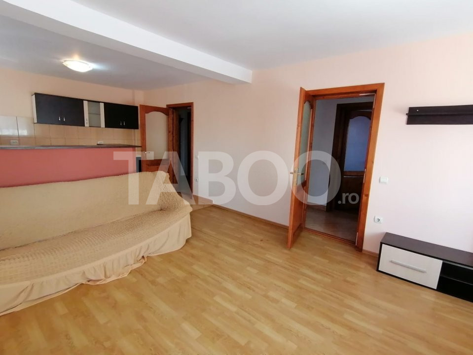 De inchiriat apartament 3 camere 75 mp utili zona Turnisor Sibiu 1