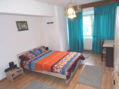Apartament de vanzare 3 camere 2 bai GARAJ in Sibiu Central COMISION 0