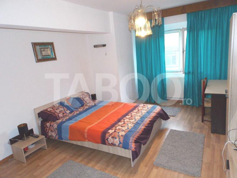 Apartament de vanzare 3 camere 2 bai GARAJ in Sibiu Central COMISION 0 1