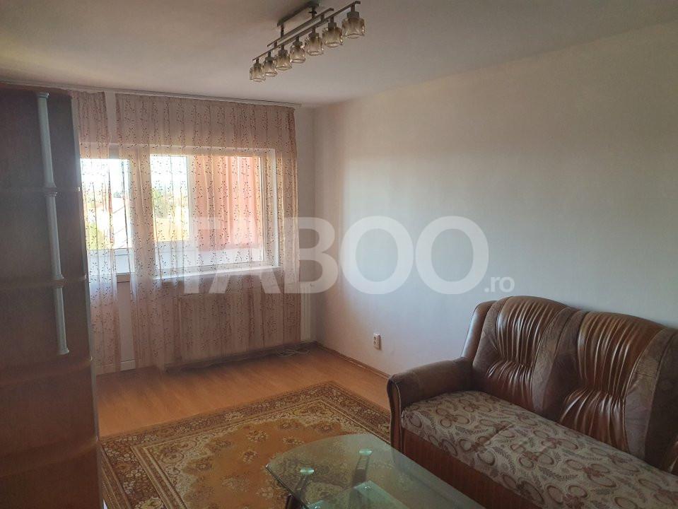 Apartament de inchiriat 2 camere decomandate zona Vasile Aaron Sibiu 1
