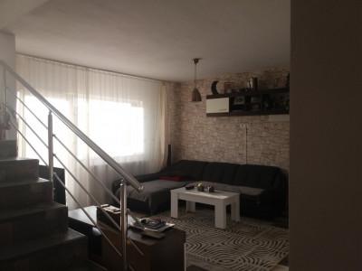 Casa 3 dormitoare teren liber 215 mp Cartierul Arhitectilor