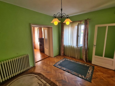 EXCLUSIVITATE!!! Casa cu 5 camere de vanzare in Sebes zona buna