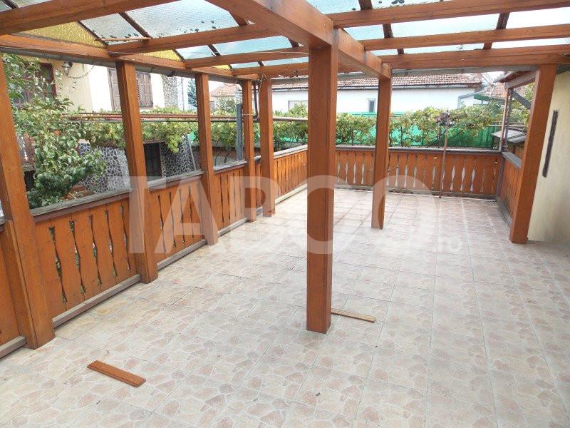 Casa 4 camere de vanzare garaj si terasa 40 mp in Sibiu Calea Poplacii 1