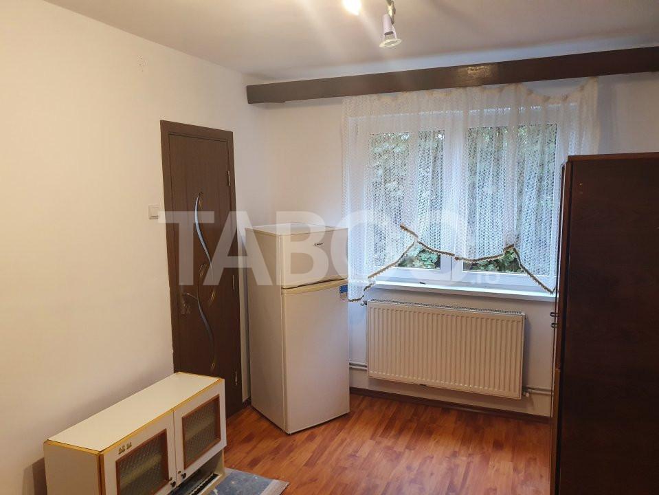 Apartament de vanzare 2 camere la parter zona Tiglari Sibiu 1
