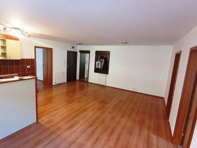 Apartament de vanzare cu 3 camere 2 balcoane la etajul 2 zona Rahovei