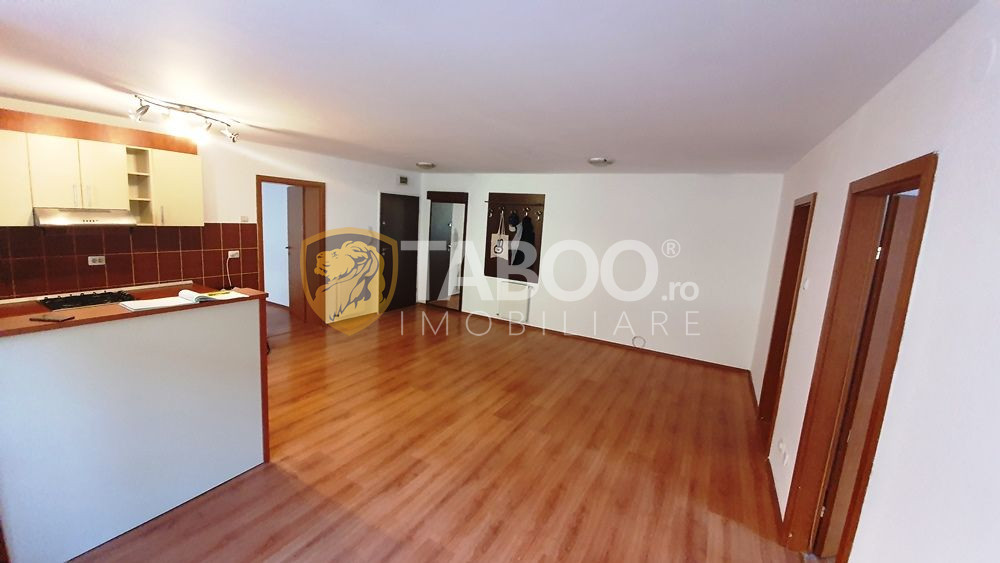 Apartament de vanzare cu 3 camere 2 balcoane la etajul 2 zona Rahovei 1