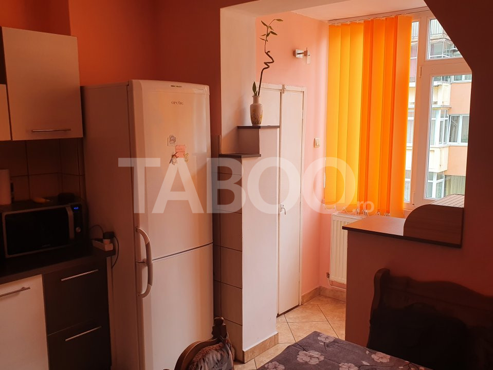 Apartament de inchiriat 2 camere 2 balcoane zona Mihai Viteazu Sibiu 1