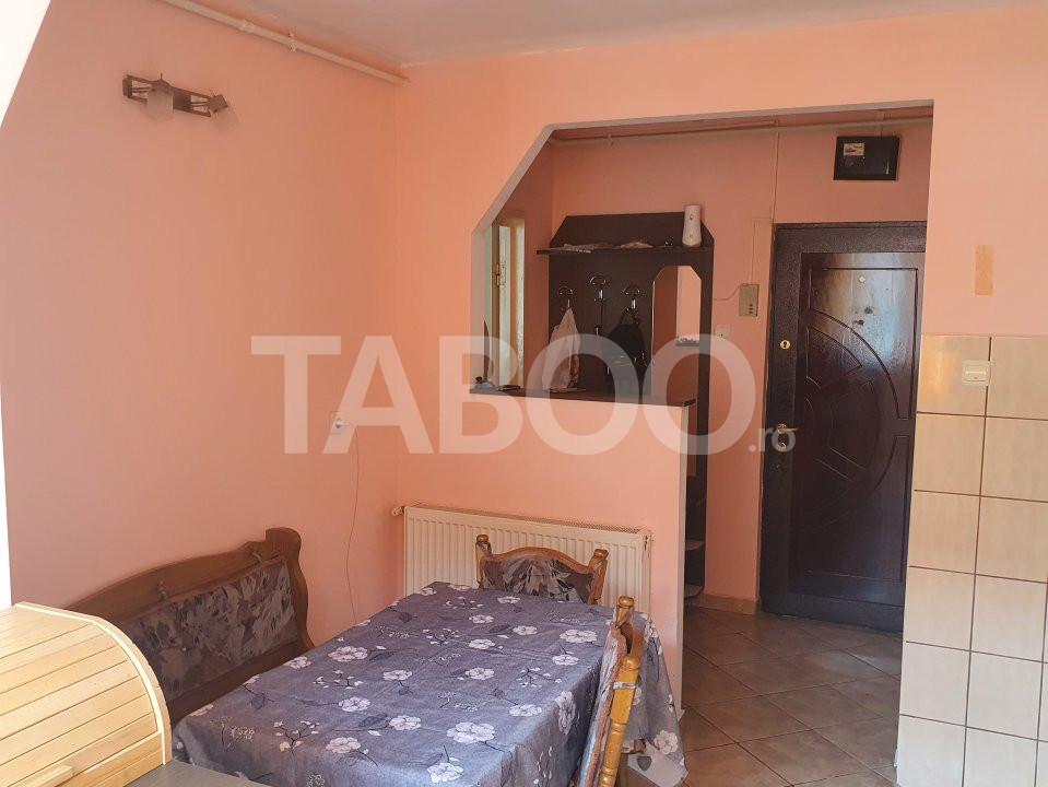 Apartament de inchiriat 2 camere 2 balcoane zona Mihai Viteazu Sibiu 2